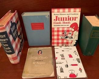 Vintage Cookbook Collection https://ctbids.com/#!/description/share/243147