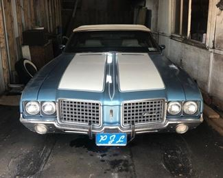 1972 Oldsmobile Cutlass Supreme Convertible. VIN: 3J67H2M1152440. Mileage: 90,480. 2dr Convertible 8-cyl. 350cid/180hp 4bbl. Running and currently registered. Transmission needs to be rebuilt.  Summer driven only, stored in garage during winter.