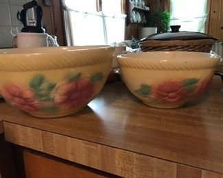 Love these USA bowls, yelloware and painted flowers