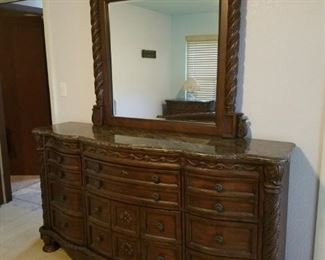 Large dresser with mirror and marble top! Matches king sleigh bed (goes with master bedroom set).