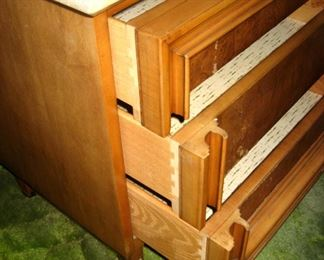 Superior construction  quality, dovetail drawer construction