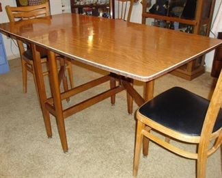 SWEET MID-CENTURY DROP LEAF/FOLDING TABLE WITH GATE LEGS (SEE NEXT PHOTO)