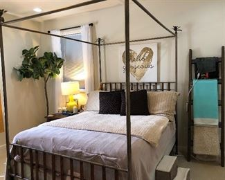 Tommy Bahama 4-Poster Bed