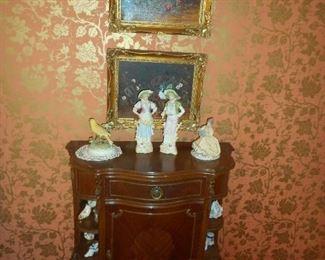 Commode  Bruno figurine