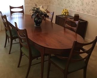 MID-CENTURY LANE FURNITURE DINING ROOM TABLE W/2-LEAVES AND 7-CHAIRS