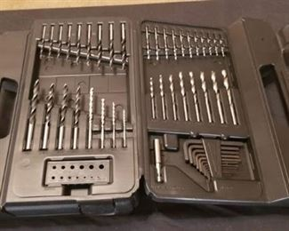 Plastic Case and Drill / Screwdriver  Bit / Allen Wrench Set included