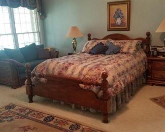 Queen bed set & night stands