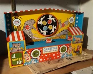 Tin  toy gallery