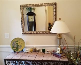 Great sofa table, lamps, mirrors