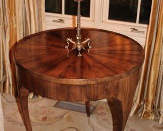 Round Table with Lamp