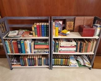 Collapsible shelving units and plenty of miscellaneous books