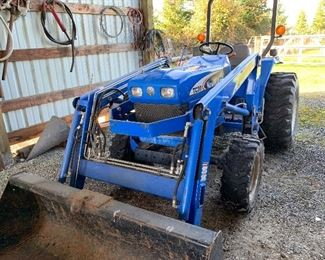 2007 New Holland TC30 with 400 Hours.