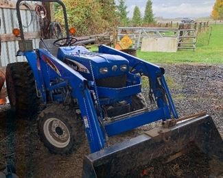 2007 New Holland TC30 with 400 Hours