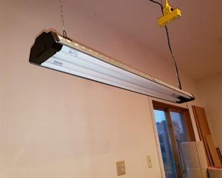Hanging garage light