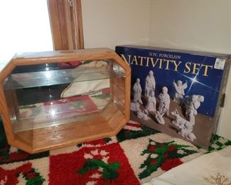 Display case, Nativity set.