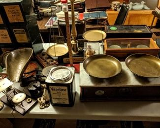 ANTIQUE & VINTAGE PHARMACY SCALES & SUPPLIES