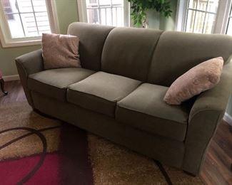 La-z-Boy sleeper sofa, in excellent condition