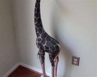 4 ft tall modern giraffe statue