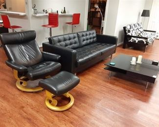 Ekornes Stressless reclining chair with Base. Modern leather sofa and modern coffee table plus 4 bar stools Chrome