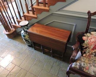 Drop Leaf table- Hallway/side table