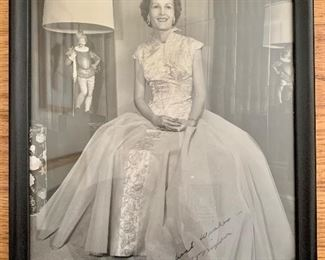 Pat Nixon signed photo