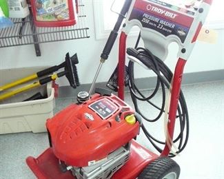 Troy Built 2550 Psi Pressure Washer