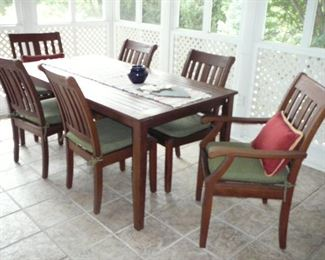 6 Piece Wooden Garden table and Chairs