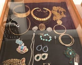 Lots of costume jewelry- more than in these pics