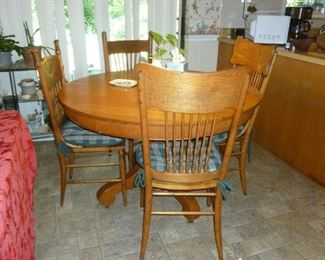 Old oak table w/pressed back chairs