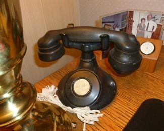Neat old phone