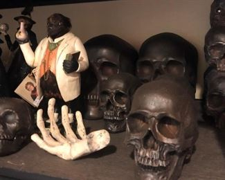 Skulls in a variety of Sizes, Bethany Lowe Designs