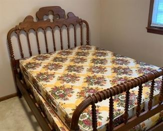 Full Size Spindle Bed with Mattress & Box Springs