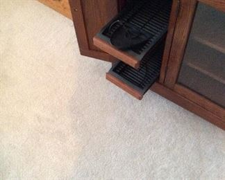 storage pull out trays