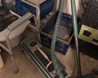 vintage Electrolux vacuum and it works.....