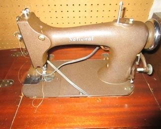 1946 NATIONAL SEWING MACHINE (TESTED AND WORKS)