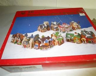 CHRISTMAS VILLAGE SET