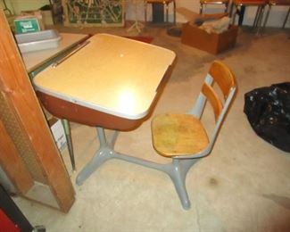 MCM SCHOOL DESK WITH ATTACHED CHAIR