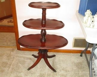 ANTIQUE 3-TIER PIE CRUST TABLE