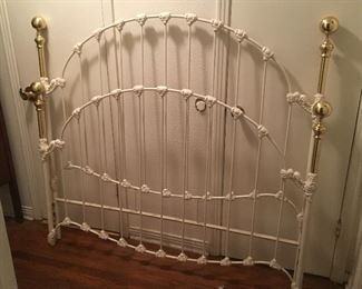 QUEEN SIZE IVORY/WHITE IRON BED FRAME COMPLETE