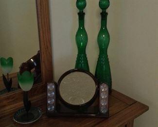 Makeup mirror & decor