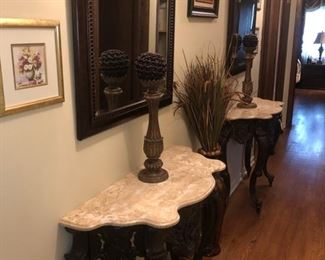 Occasional tables, wall mirrors and decor