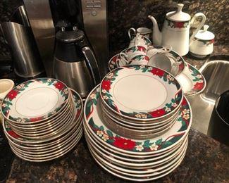 Christmas dish set
