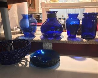 A small amount of the cobalt glass