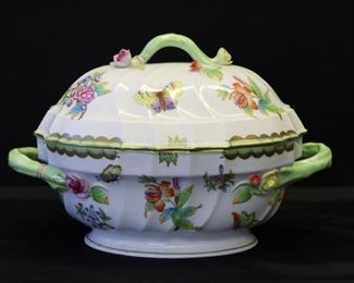 Herend Queen Victoria Lidded Porcelain Tureen