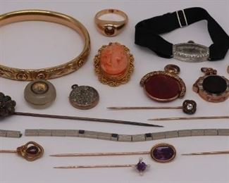 JEWELRY Assorted Vintage Gold Jewelry Grouping