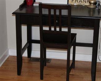 Nice-sized desk