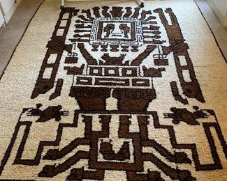 Wool rug from Peru