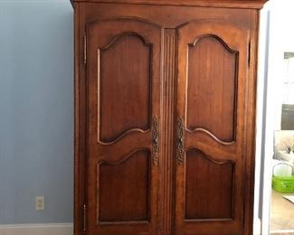 Beautiful armoire excellent condition solid wood by Hickory - white  asking  $250 cash and you pickup. (  can be sold early )  contact Eva 704-605-6368
