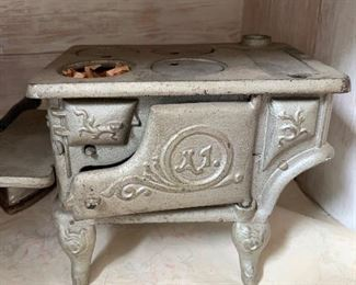 Toy A1 cast iron stove
