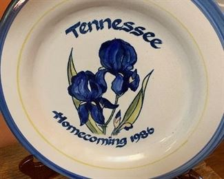1986 Tennessee Homecoming by Louisville Pottery